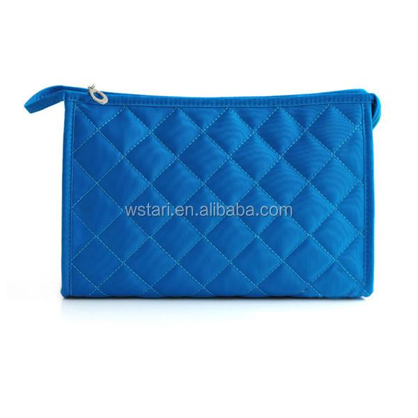 शीर्ष जिपर फैक्टरी प्रत्यक्ष मध्यम कैंडी रंग का महिला मेकअप बैग शौचालय धोने बैग कॉस्मेटिक बैग