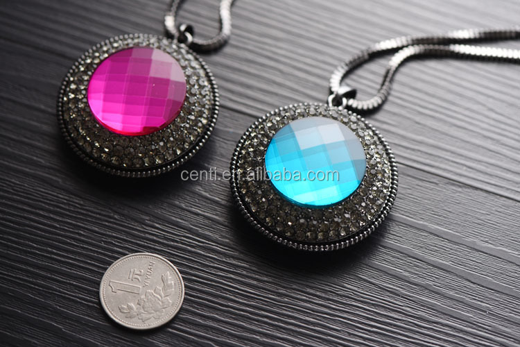 Multi faceted gem stone inlaid charm necklace wholesale