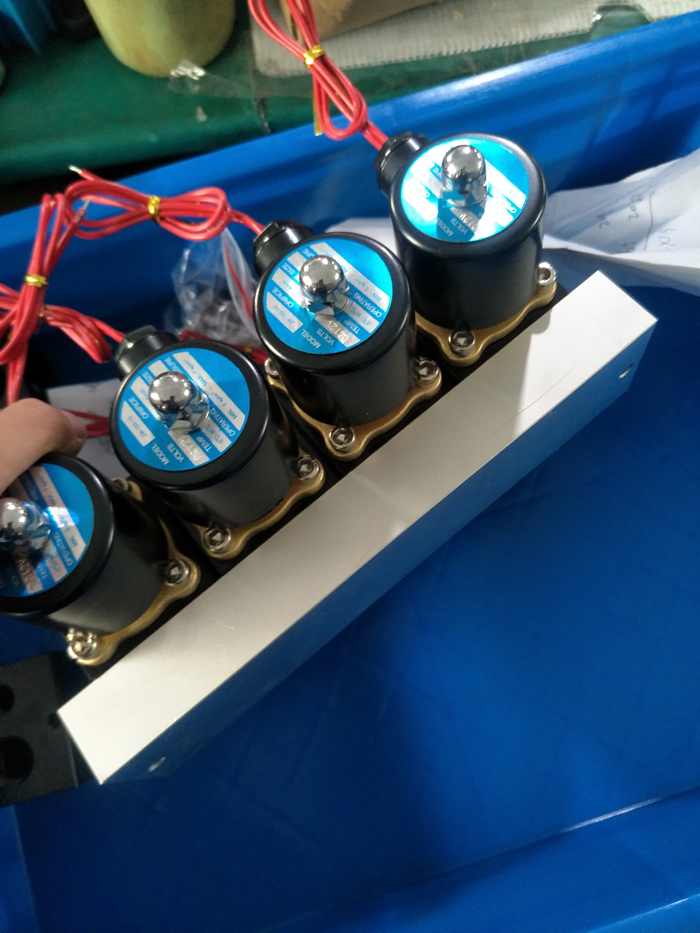 Dibuat Di China 12 V NPT Blok Accuair VU4 Air Suspensi Solenoid Valve