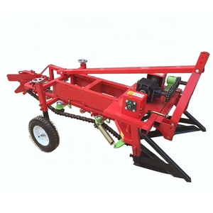 Four wheel tractor matched bed peanut harvester Agricultural chain nut picker