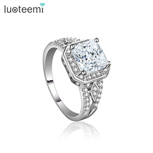 LUOTEEMI Trendy Bague Luxury Bijoux Accessories Jewelry Classic Tiny Clear Square CZ Zircon Womens White Gold Engagement Rings