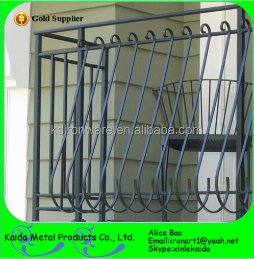 Beutiful Simple Ornamental Iron Window Grills Design