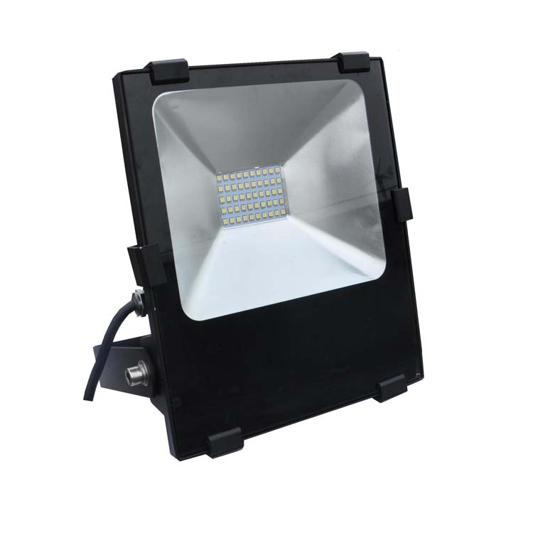 2018 Hot cake 30w 50w 100w 150w 200w 300w 130LM/M IP65 rgb rechargeable led  flood light
