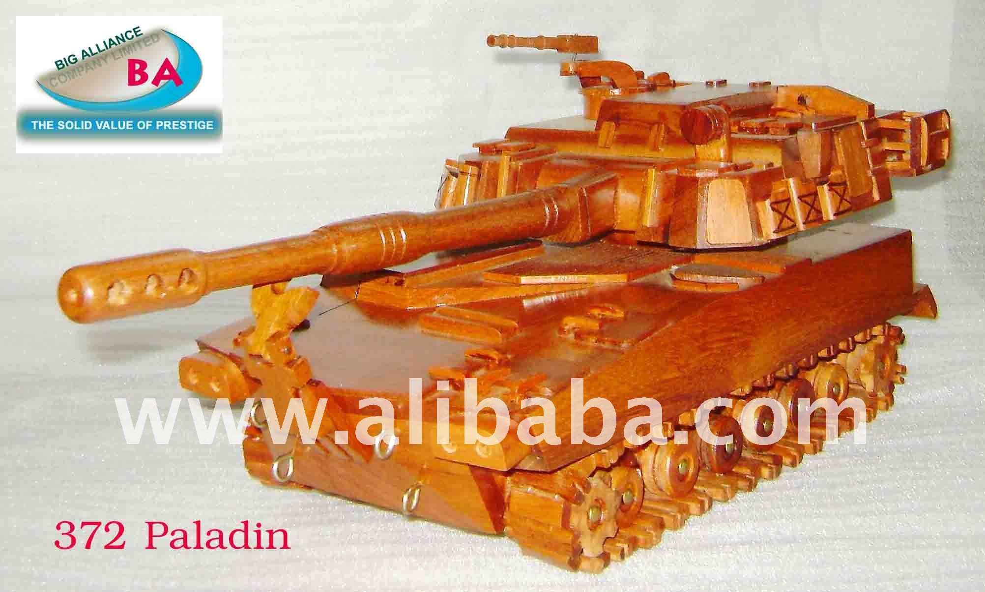 Wooden tank model - 372 Paladin S.P Howitzer