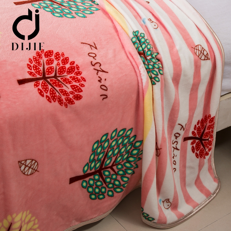 Hot beauty products cheap flannel blanket printed for india