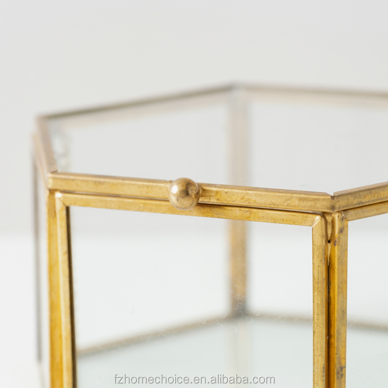 Kristall Glas gold messing schmuck box in lagerung und display