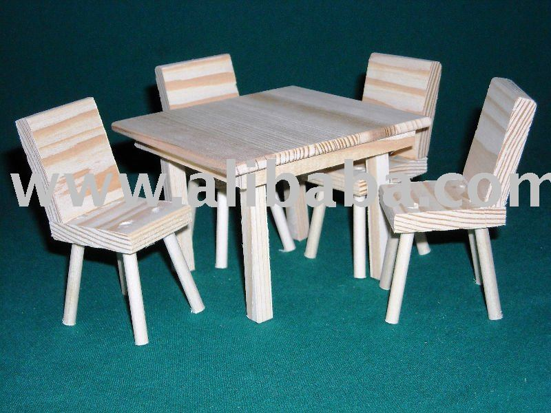 Doll Kitchen Table and 4 chairs