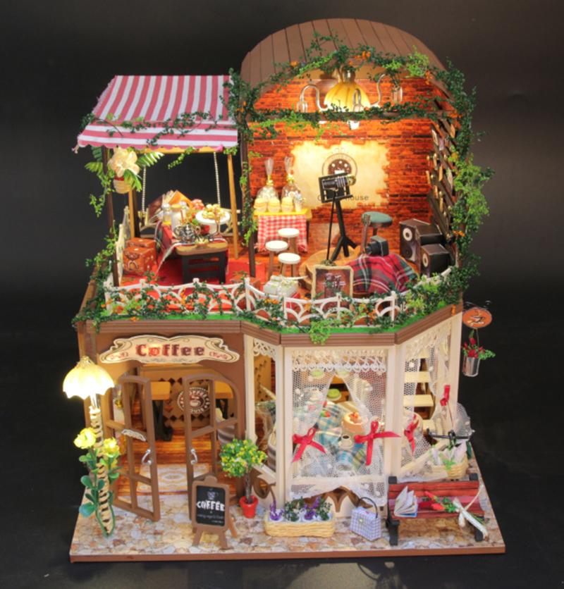 Wholesale Gifts New Brand Diy Doll Houses Wooden Doll House Unisex