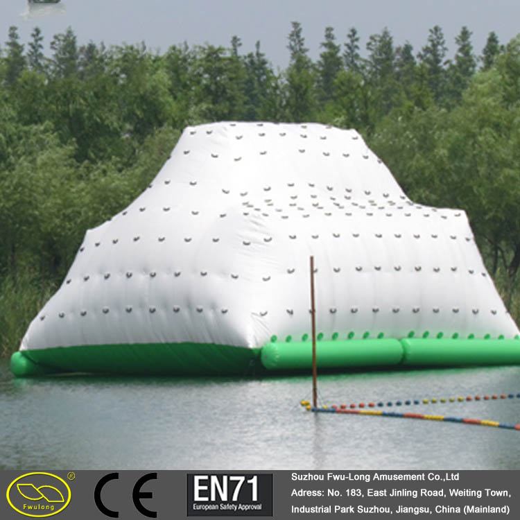 0.6~0.9 mm PVC material beach inflatable iceberg prices