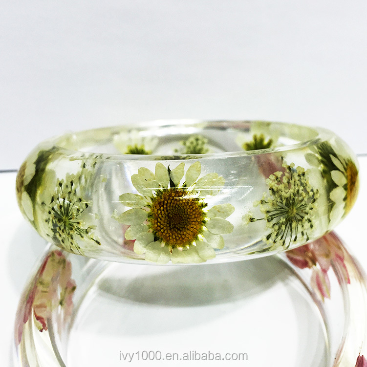 Ladies fancy wide amber bangle,pink flower clear resin bangle fashion new style dried flower resin acrylic bracelets