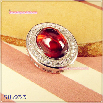 Attractive Polished Oval Cherry Ruby Vintage Sterling Silver Jewelry Pendant