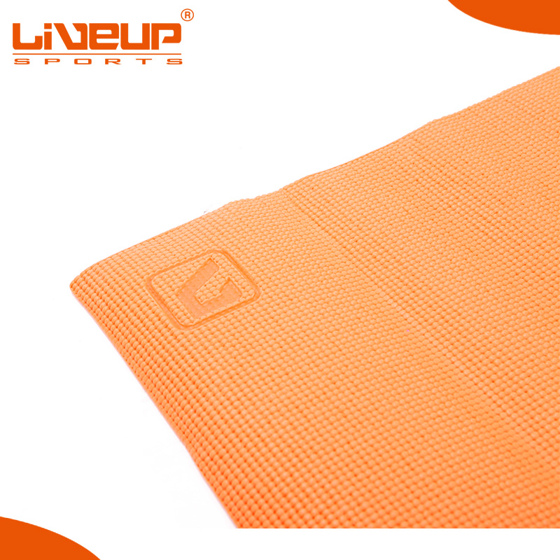 Easy to clean hemp yoga mat for fitness training