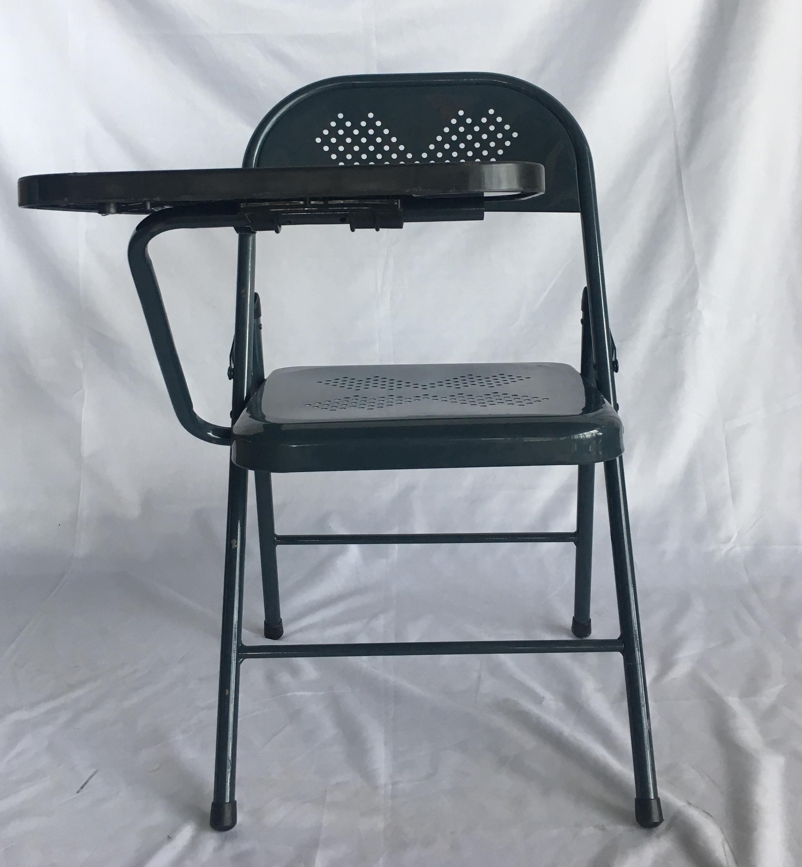 Philippines Metal Folding Chair With Plastic Writing Tablet