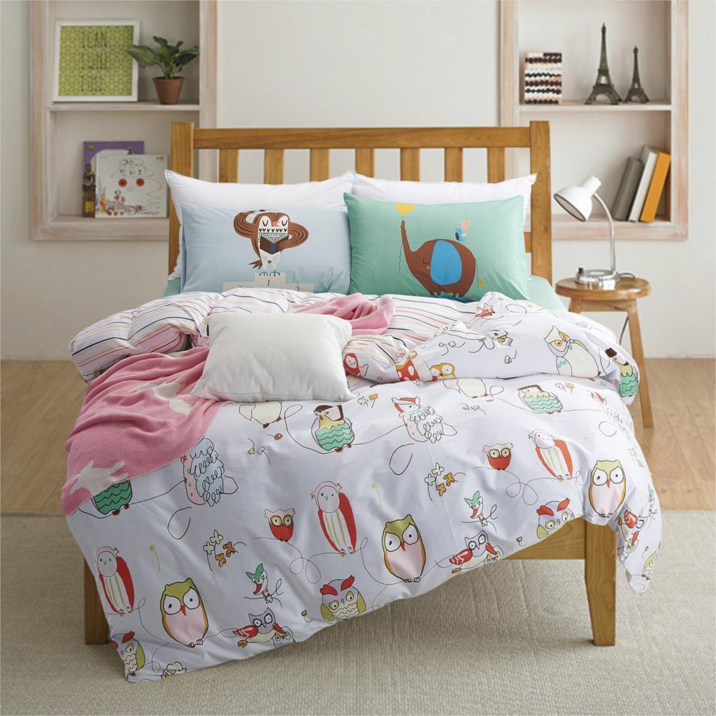 Quilt Covers Choose from a stunning range of contemporary styles and designs when you shop Aura's iconic online bedding collection. Made up of doona covers, quilt cover sets, sheet sets and coordinating pillowcases, our selection is second to none.