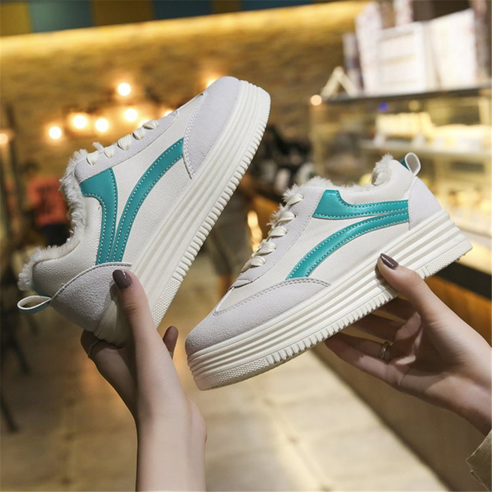 Hot Selling Cotton PU Vamp Keeping Warm Women Winter Shoes Rubber Plate Girl Student Casual Flat Shoes
