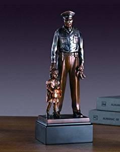 Policeman with Child Statue - Figurine