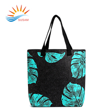 Customized fashionable eco-friendly color cartoon felt tote shopping bag