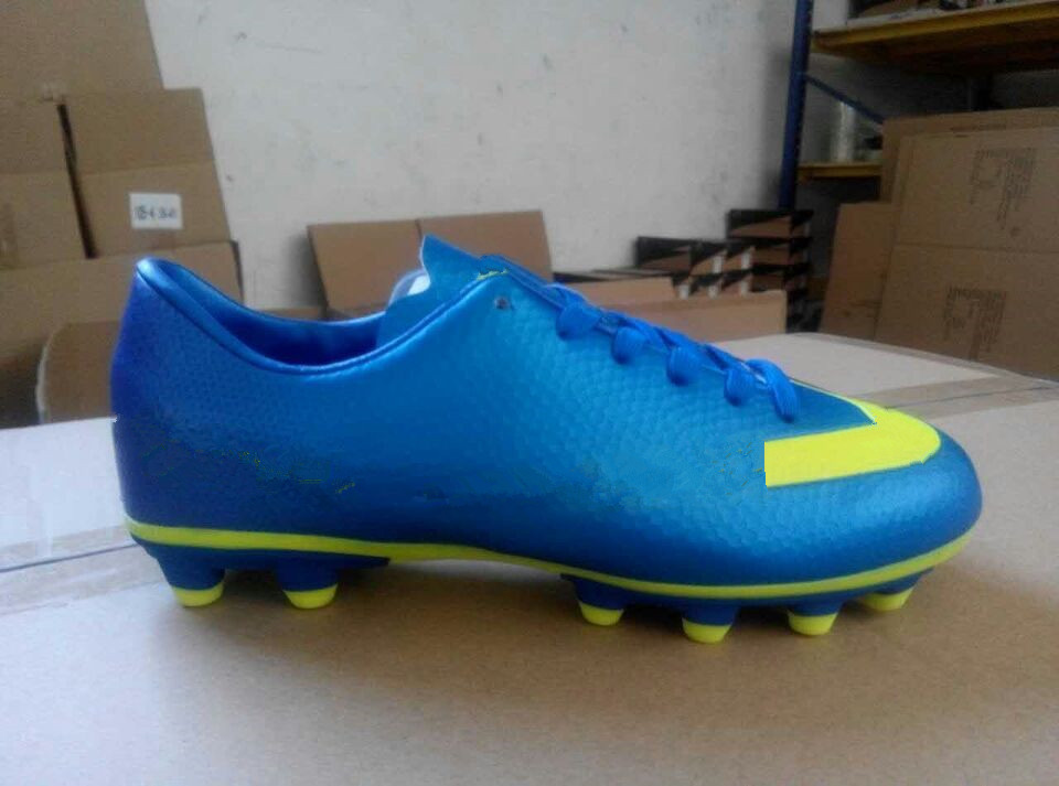 Air Sport Shoes Indoor Used Soccer Shoes