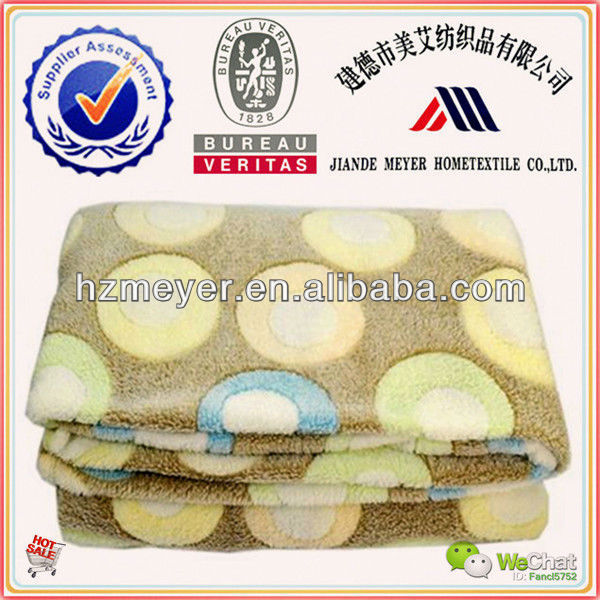 2015 Hot Sale Ultra Soft 100% Polyester Compressible Offset Printing Circles Coral Fleece Blanket Yiwu
