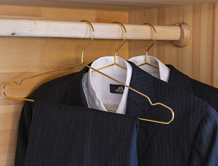 Wholesale cheap good quality 17.7'' strong gold metal wire suit coat clothes hanger