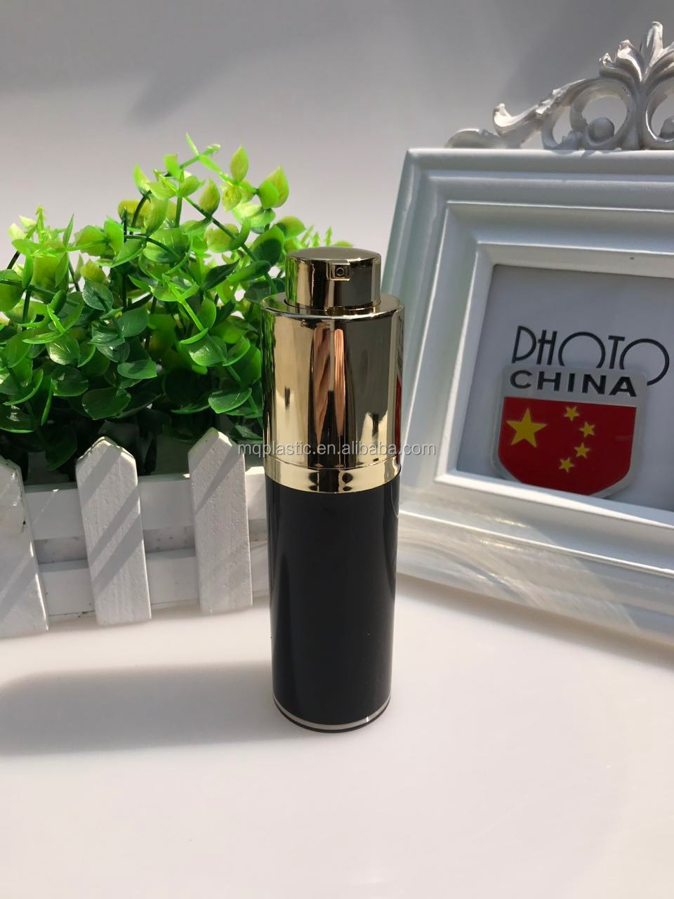 2017 black round new acrylic Rotary airless bottle 30ml packaging