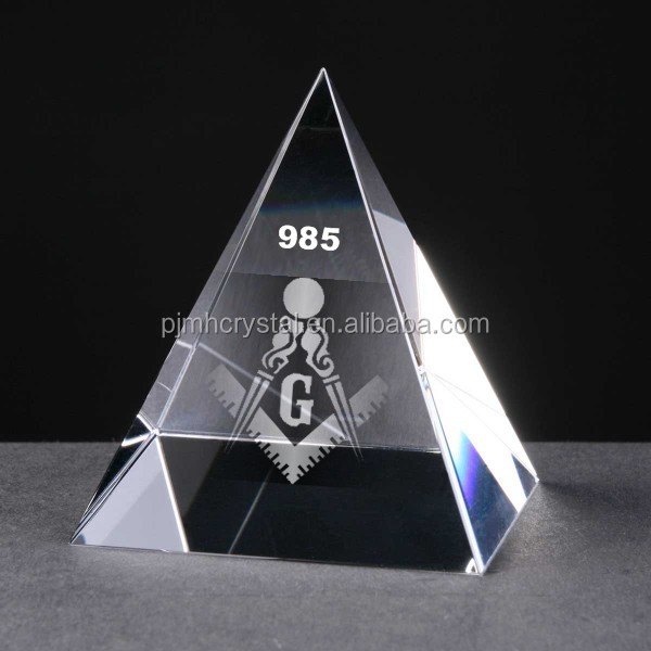 Customized Crystal Paperweight Clear Crystal Pyramid for 3D Laser Engraving MH-JT0011