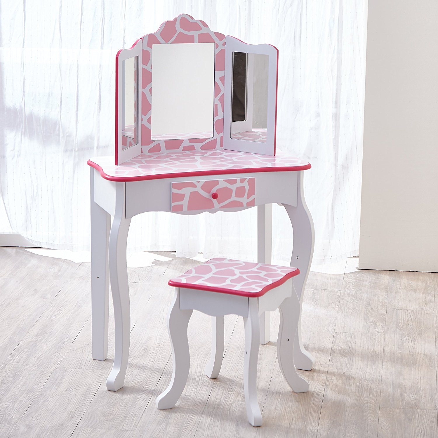 Get Quotations Teamson Kids Fashion Prints S Vanity Table And Stool Set With Mirror Giraffe