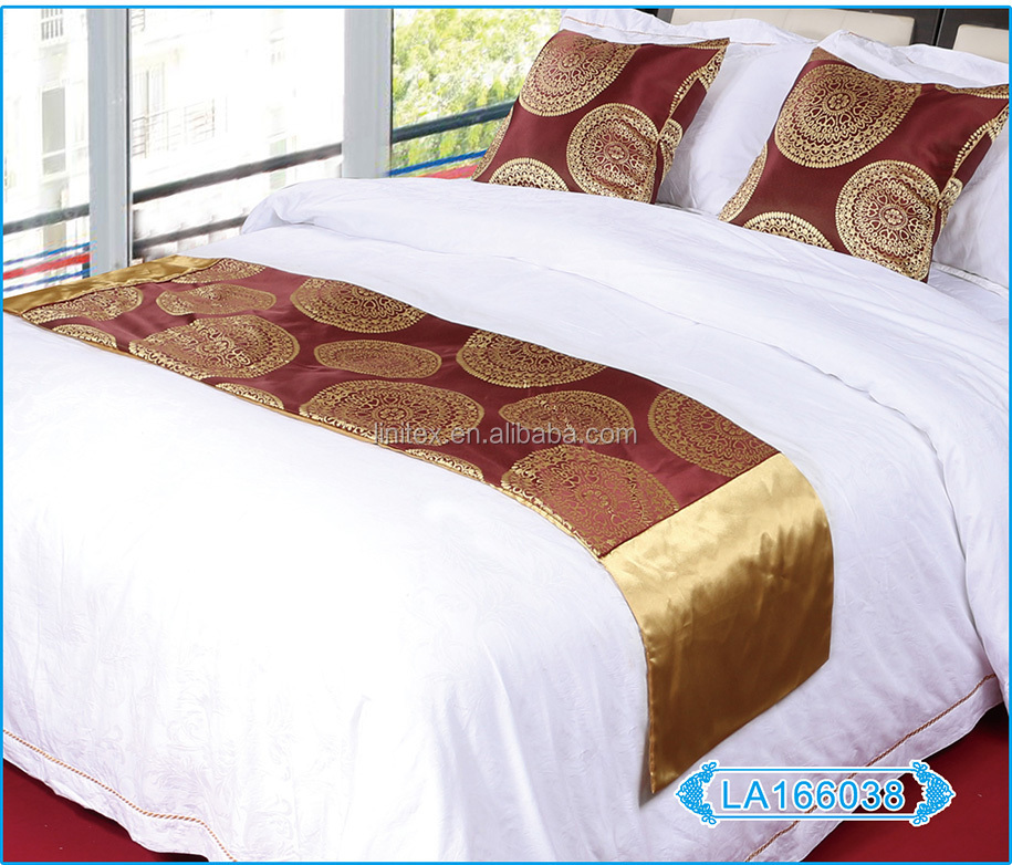 Polyester Silk Jacquard Luxury Bed Runner Hotel Bed Runner