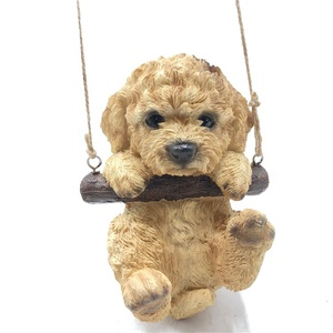 China fabriek tuin decoratie dier opknoping boom ornament beeldje puppy hars hond
