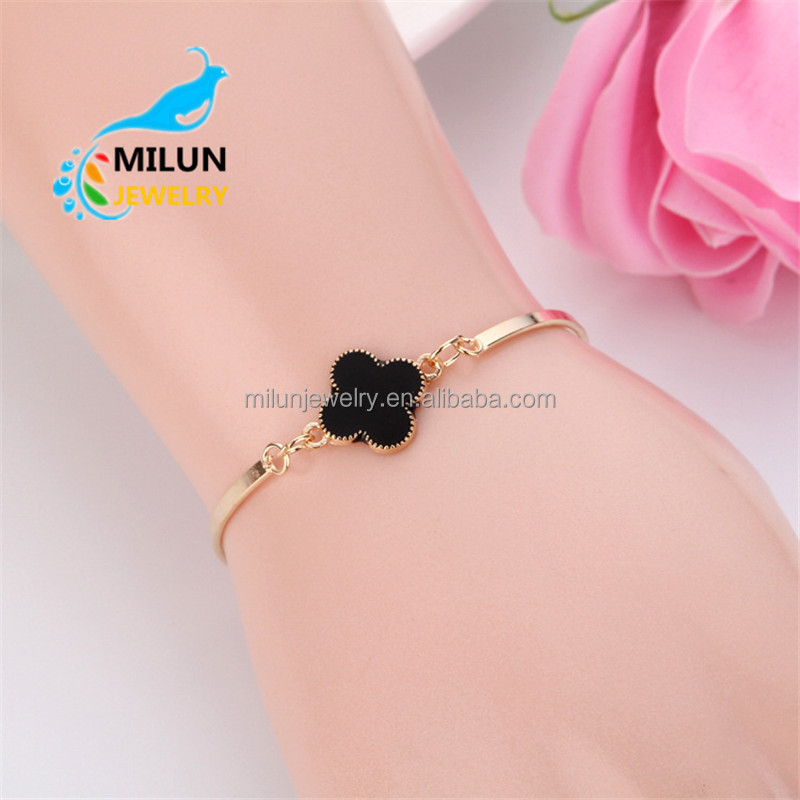 Gold Jewellery Four Leaf Clover charms bracelet bangle women
