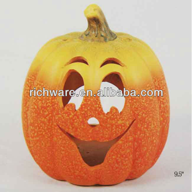 Ceramic smiling pumpkin tealight holder for halloween decoration
