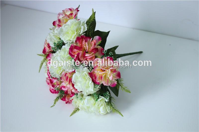 Seta Reale In Cerca Di Bouquet Di Fiori Garofano Rosa Fiore Di Massa