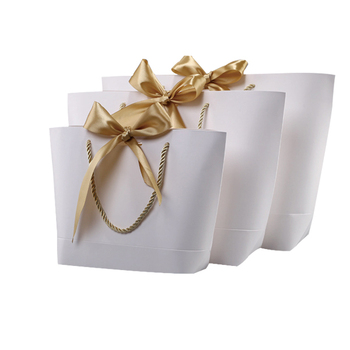 Women White Paper Shopping Gift Bag Hot Selling Packaging Bag With Ribbon For Shopping Clothes And Gift