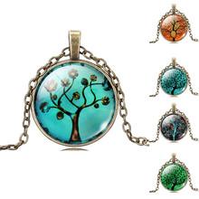 Řetízek s krásnými motivy stromů