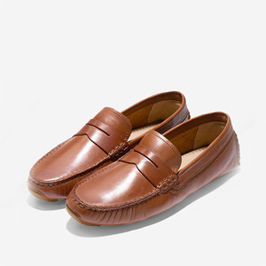 Comfortable design genuine leather flat heel moccasin gommino women casual shoe