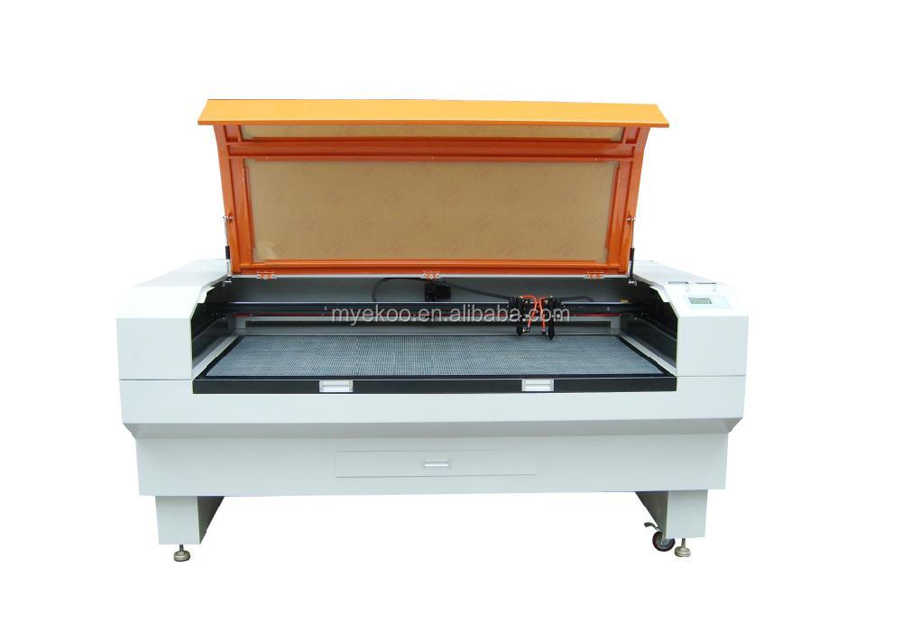 Double heads laser cutting machine for cloth toy