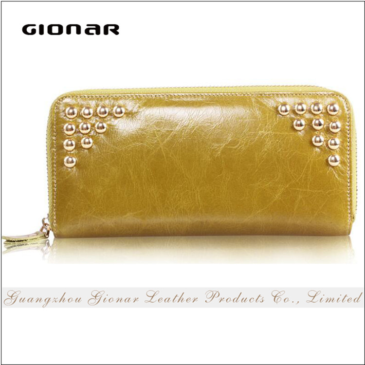 Hot Sell Fashion Chic Design Real Leather Long Zipper Women Wallet with Rivets