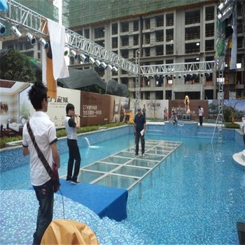 Outdoor Portable Movable Catwalk Glass Stage On The Water