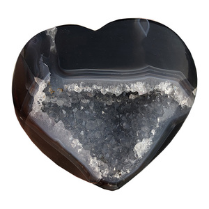 Carved natural palm size heart shaped agate geode rocks heart for home decoration