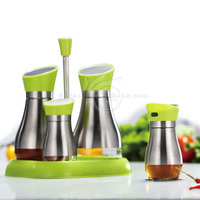 Fashion Green High Class Stainless Steel 5pcs Oil And Vinegar Cruet Set With Plastic Tray