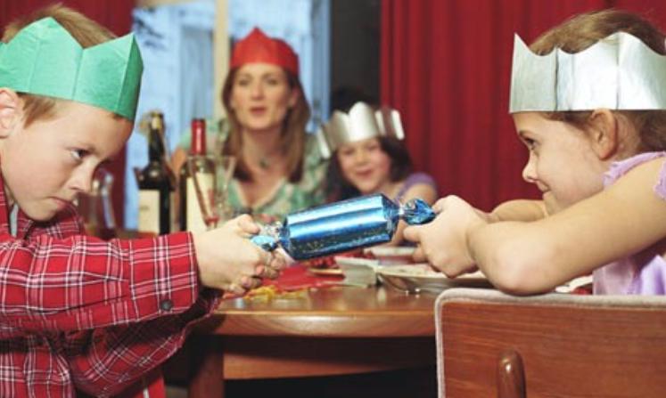 Christmas Crackers Hat.Festive Surprise Funky Christmas Crackers With Gifts Snaps Buy Christmas Cracker Snaps Christmas Crackers With Gifts Funky Christmas Crackers