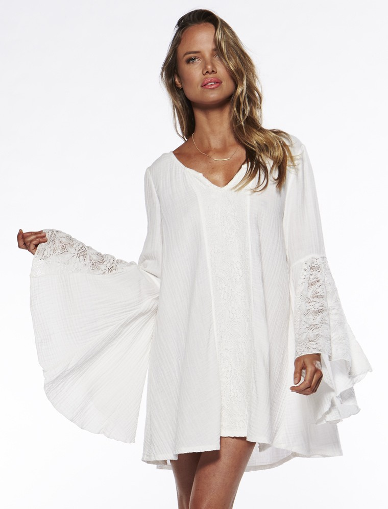 2015 Euro-American  summer fashion bohemian short white lace dress sexy v neck flare sleeve loose dress lace stitching oversized