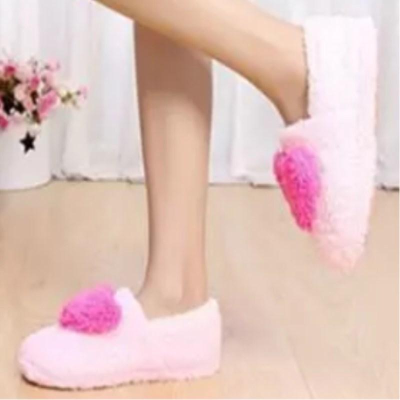 36456c1916aa9 Mode Doux Semelle Femme Plancher Intérieur Pantoufles Chaussures  Antidérapant Chaud Chaussures D hiver Grand amour