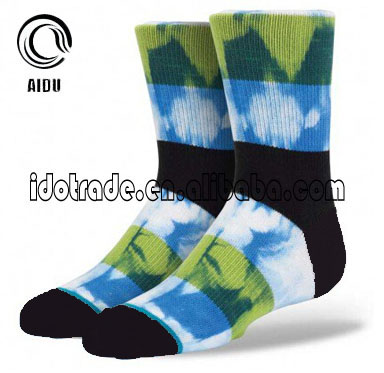 2017Blue Sky Printing Jacquard Custom Design Made Wholesale Custom Socks Unsex/Man Sock/China Custom Sock Manufacturer Ow