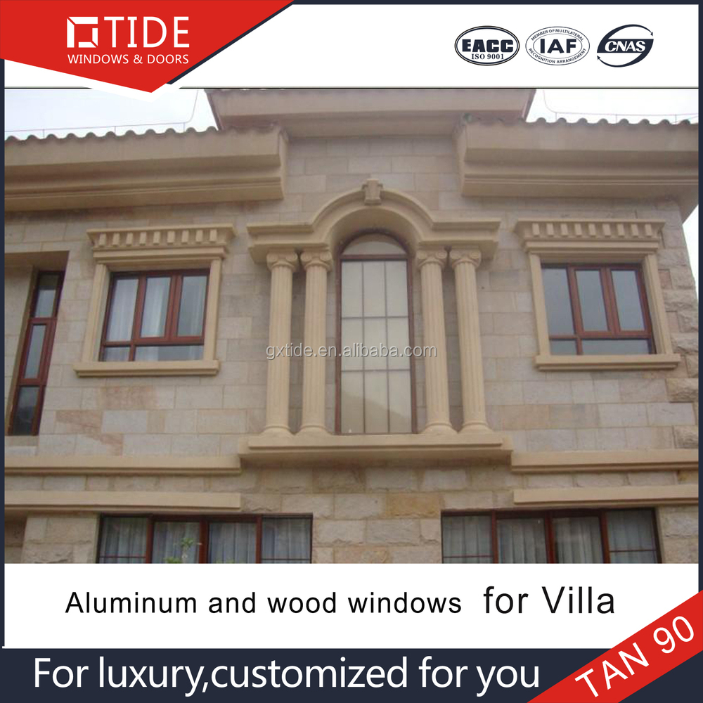 Puerta De La Villa Y Ventanas Con Marco De Madera Revestido/de ...