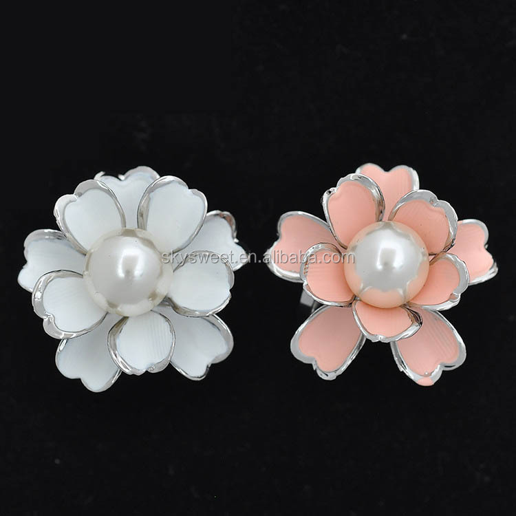 Best selling Classic three-loop white pearl camellia shaped scarf ring(PR1552)