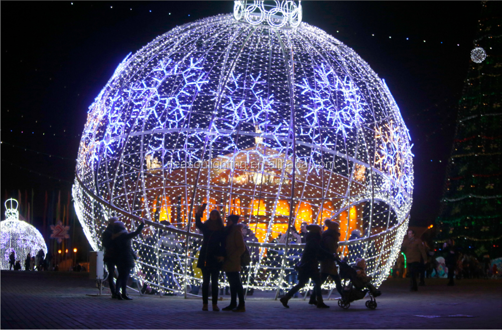 Outdoor christmas lights large balls buy christmas light for Outdoor christmas balls that light up