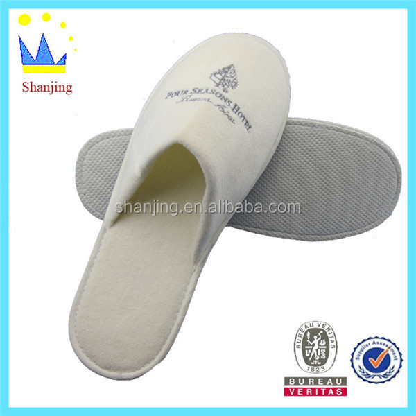 Professional supplier of disposable hotel slippers and spa slippers