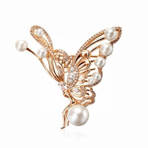 3718 Top Quantity 18k Gold Plated Butterfly Shape Brooches With Small Rhinestone