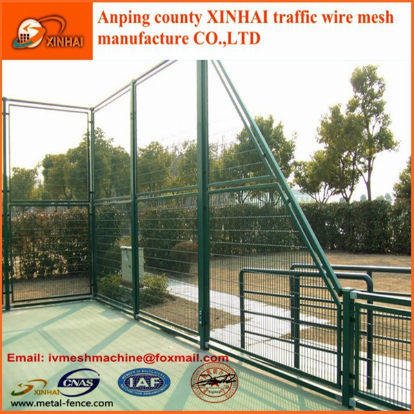 Anti corrsive wire mesh fence china supplier